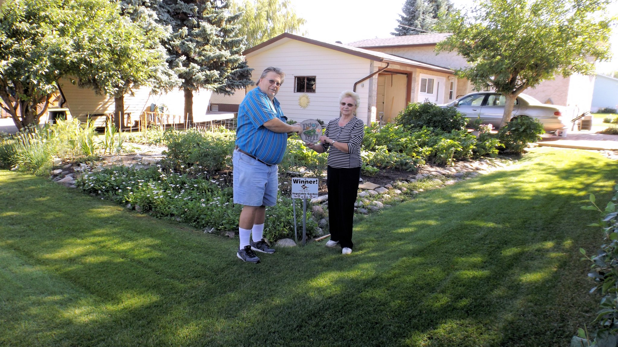 Communities in Bloom Nominate Your Neighbor GULL LAKE Town Beautification  Communities in Bloom